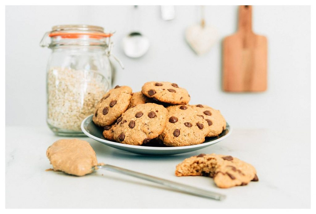 April: oatmeal choc chip cookies