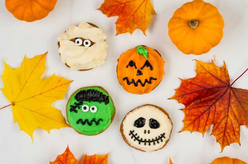 Halloween Pumpkin Spice Cookies With Cream Cheese Frosting